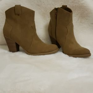 American Eagle Outfitters Suede Ankle Boots New